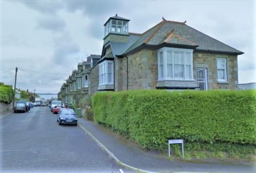 Detached House, House sold in Penzance: Penmarric Lodge, Penare Terrace, Penzance, Cornwall. TR18 2DT, £380,000