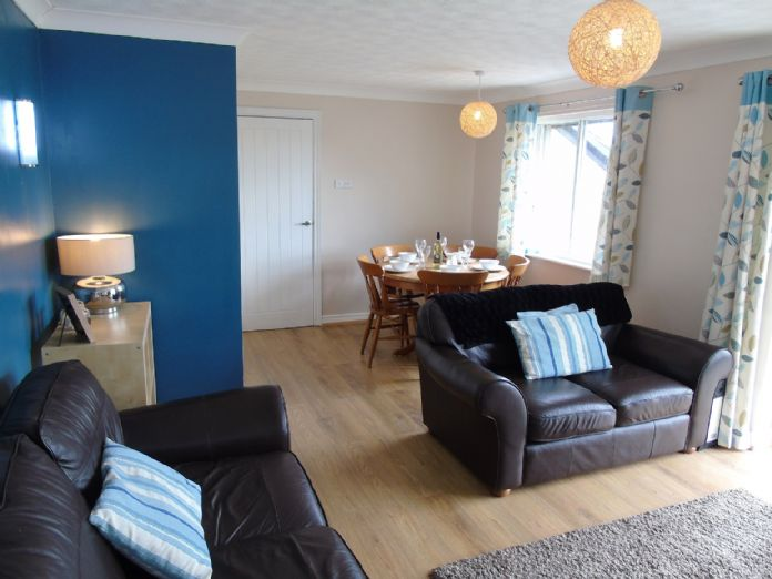Bungalow Property for sale in Hayle, Cornwall for £160,000, view photo 3.