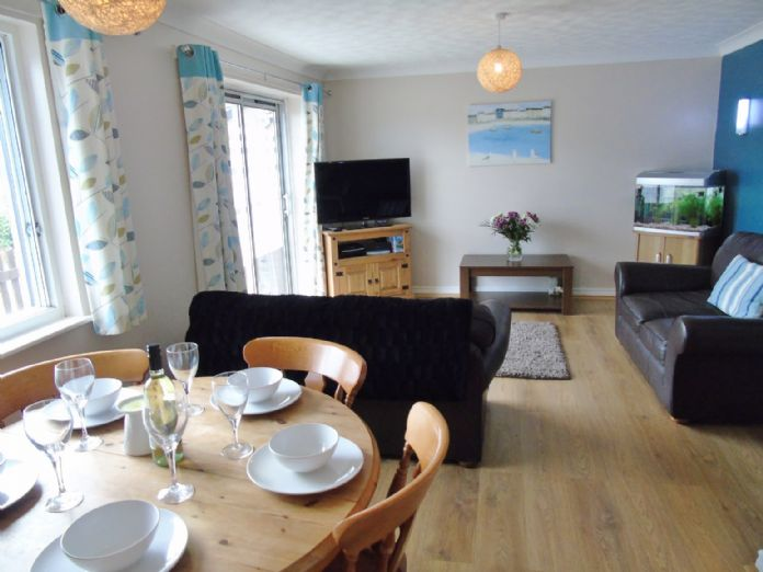 Bungalow Property for sale in Hayle, Cornwall for £160,000, view photo 4.