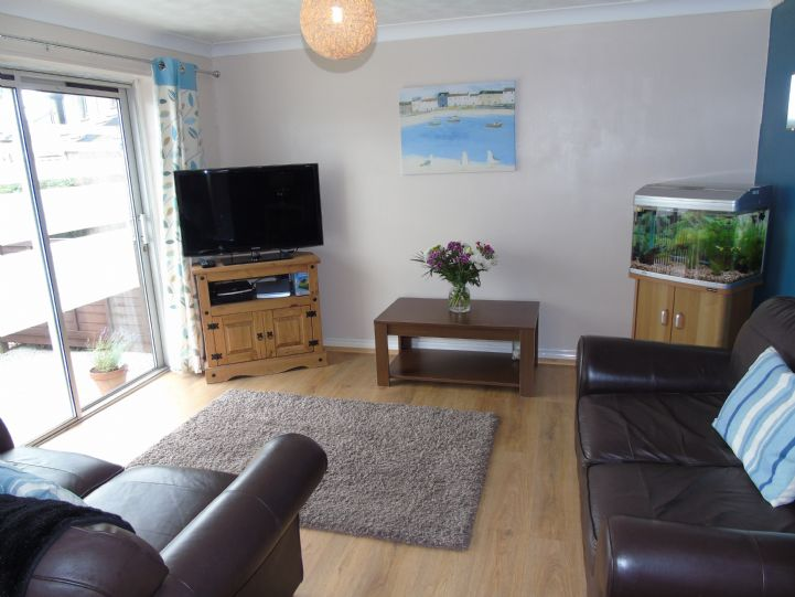 Bungalow Property for sale in Hayle, Cornwall for £160,000, view photo 5.