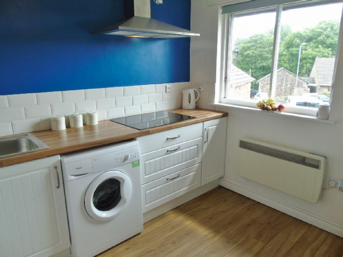 Bungalow Property for sale in Hayle, Cornwall for £160,000, view photo 8.