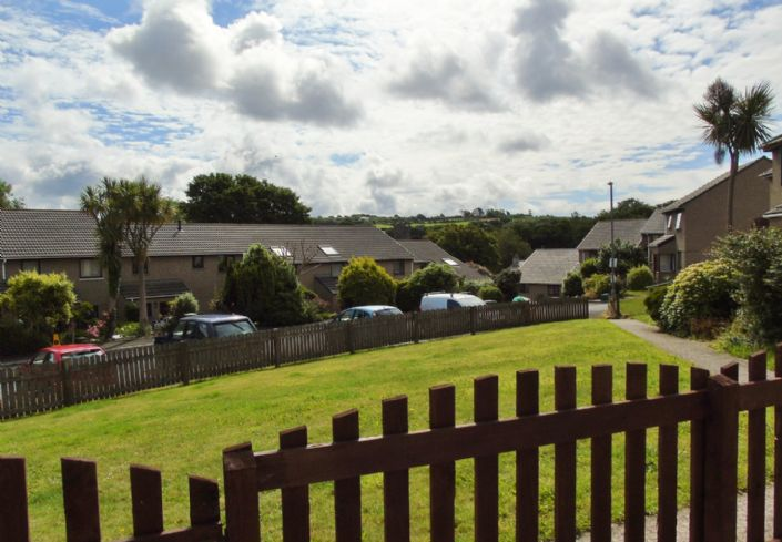 Bungalow Property for sale in Hayle, Cornwall for £160,000, view photo 16.
