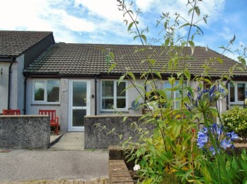 Bungalow for sale in Penzance: 81 Tremaine Close, Heamoor, Penzance, Cornwall.  TR18 3QS, £135,000