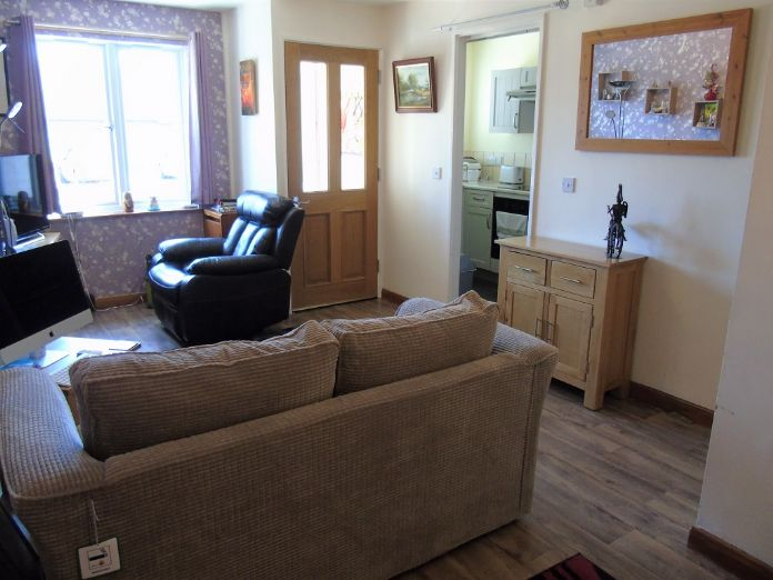 Bungalow, 1 bedroom Property for sale in Penzance, Cornwall for £135,000, view photo 4.