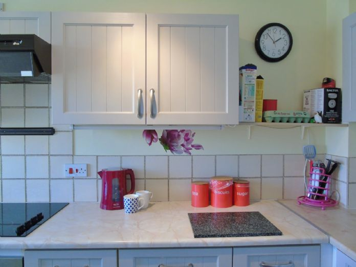 Bungalow, 1 bedroom Property for sale in Penzance, Cornwall for £135,000, view photo 7.