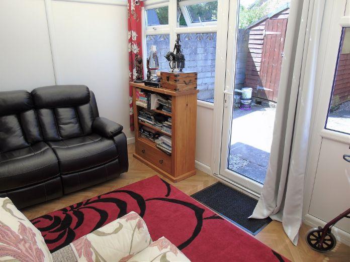 Bungalow, 1 bedroom Property for sale in Penzance, Cornwall for £135,000, view photo 10.
