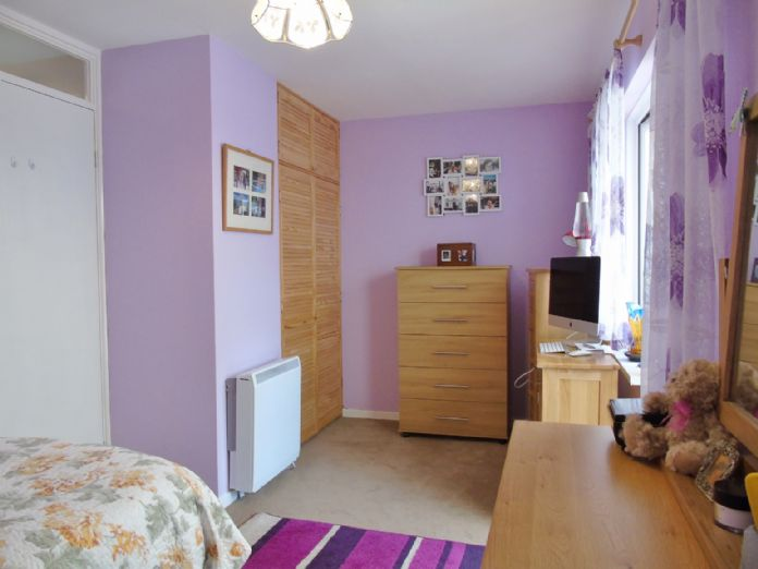 Bungalow, 1 bedroom Property for sale in Penzance, Cornwall for £135,000, view photo 12.