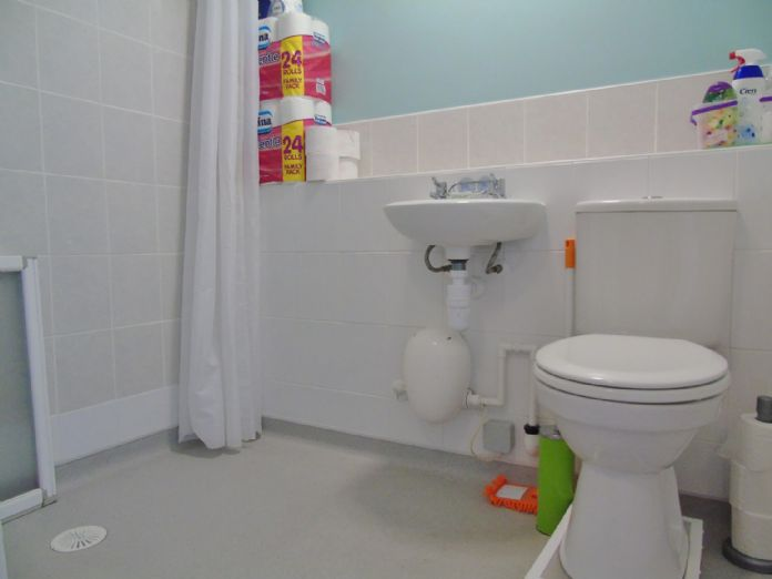 Bungalow, 1 bedroom Property for sale in Penzance, Cornwall for £135,000, view photo 13.