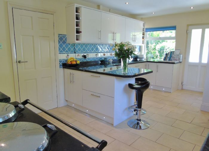 House, 4 bedroom Property for sale in Penzance, Cornwall for £525,000, view photo 8.