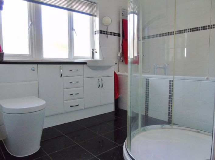House, 4 bedroom Property for sale in Penzance, Cornwall for £525,000, view photo 14.