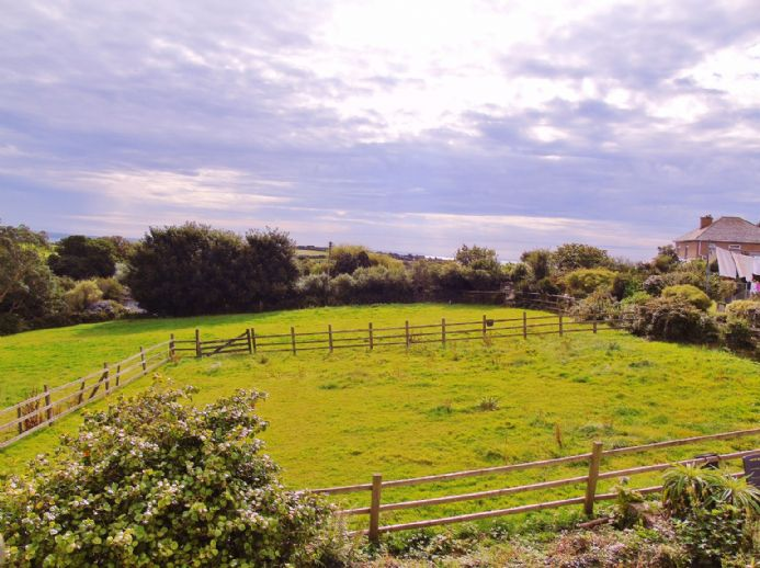House, Land, 4 bedroom Property for sale in Mousehole, Cornwall for £425,000, view photo 16.