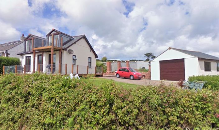 Bungalow, 3 bedroom Property for sale in Penzance, Cornwall for £375,000, view photo 1.