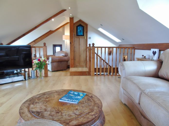 Bungalow, 3 bedroom Property for sale in Penzance, Cornwall for £375,000, view photo 5.