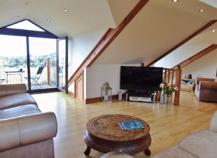 Bungalow, 3 bedroom Property for sale in Penzance, Cornwall for £375,000, view photo 6.
