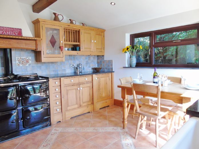 Bungalow, 3 bedroom Property for sale in Penzance, Cornwall for £375,000, view photo 8.