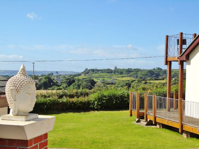 Bungalow, 3 bedroom Property for sale in Penzance, Cornwall for £375,000, view photo 14.