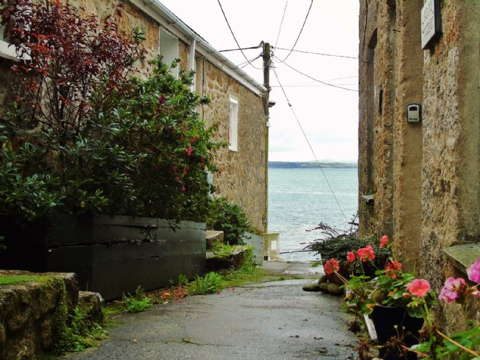 House, 2 bedroom Property for sale in Mousehole, Cornwall for £300,000, view photo 2.