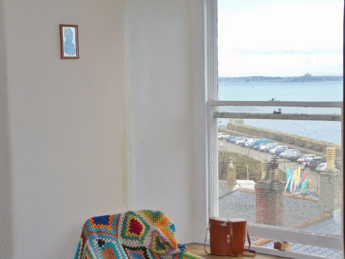 House, 2 bedroom Property for sale in Mousehole, Cornwall for £300,000, view photo 9.