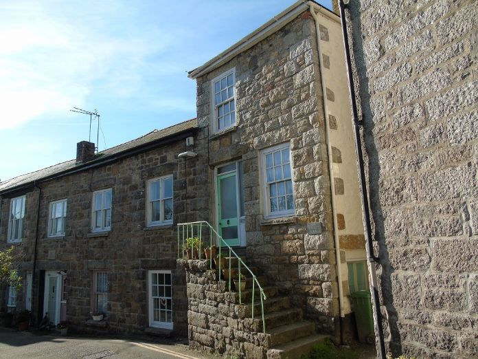 House, Holiday Home, 3 bedroom Property for sale in Mousehole, Cornwall for £300,000, view photo 2.
