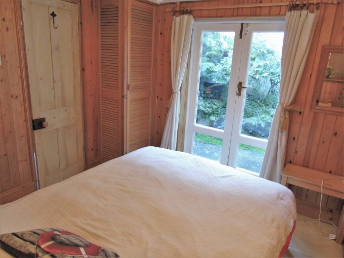 House, Holiday Home, 3 bedroom Property for sale in Mousehole, Cornwall for £300,000, view photo 7.