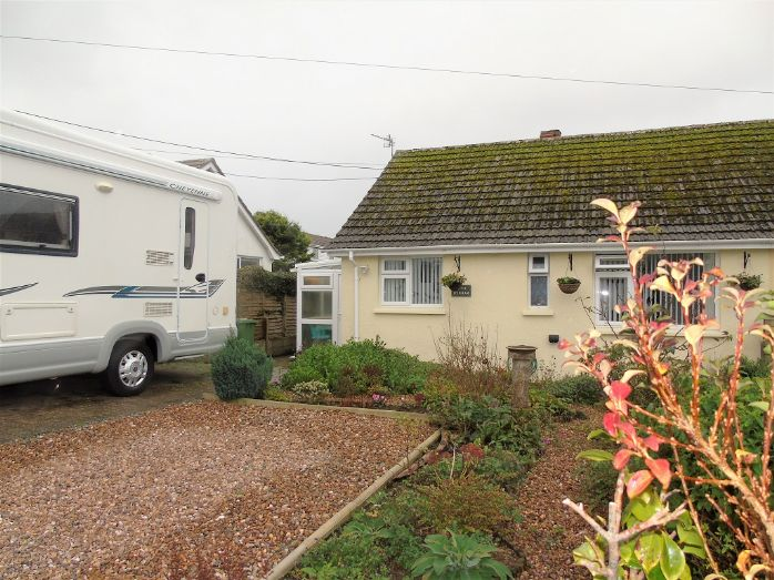 Bungalow Property for sale in Mullion, Cornwall for £210,000, view photo 1.
