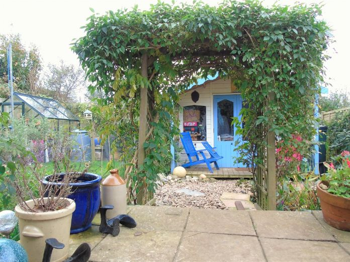 Bungalow Property for sale in Mullion, Cornwall for £210,000, view photo 2.