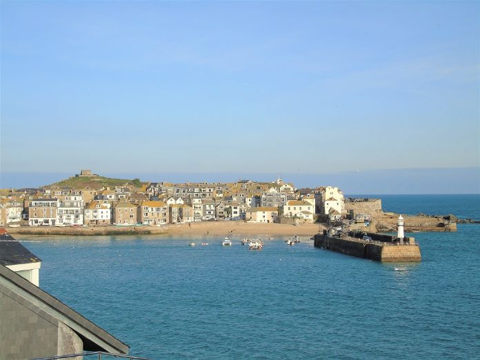 End of Terrace, House, 3 bedroom Property for sale in St Ives, Cornwall for £550,000, view photo 1.
