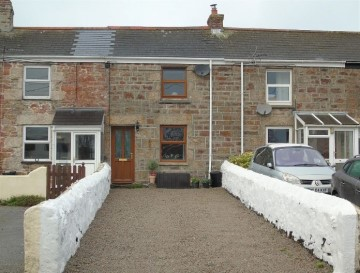 Terraced, House sold in Redruth: Albion Row, Carharrack, Redruth, Cornwall.  TR16 5QW, £160,000