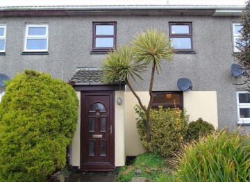 Terraced, House sold in Penzance: Freshbrook Close, Penzance, Cornwall.  TR18 3RQ, £140,000