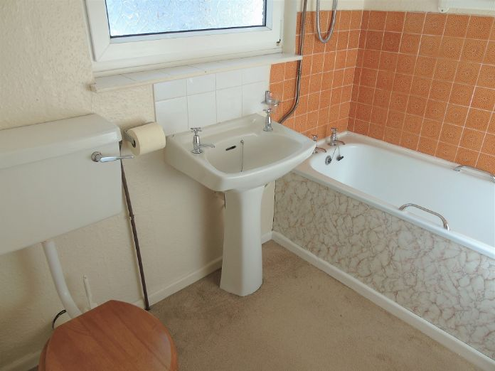 Terraced, House, 2 bedroom Property for sale in Penzance, Cornwall for £155,000, view photo 13.