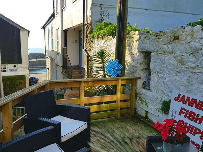 Terraced, House, Holiday Home, 3 bedroom Property for sale in Mousehole, Cornwall for £325,000, view photo 12.