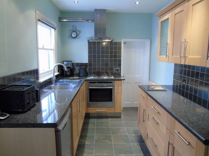 Terraced, House, 3 bedroom Property for sale in Penzance, Cornwall for £170,000, view photo 9.