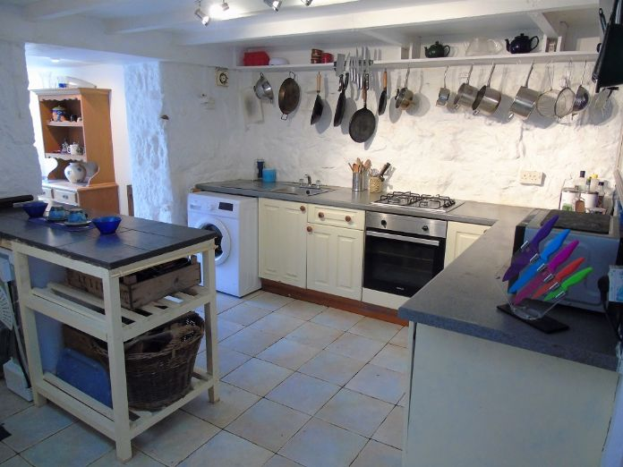 Terraced, House, 3 bedroom Property for sale in Penzance, Cornwall for £140,000, view photo 5.