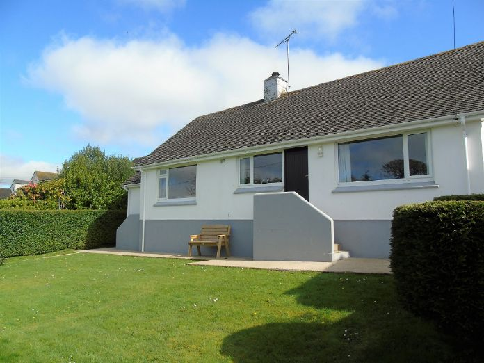 Detached Bungalow, Bungalow, 2 bedroom Property for sale in Helston, Cornwall for £280,000, view photo 16.