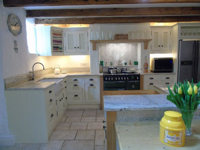 Detached House, 4 bedroom Property for sale in Lamorna, Cornwall for £650,000, view photo 7.