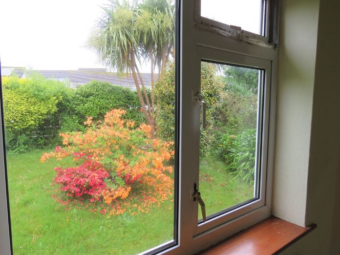 Semi Detached Bungalow, 2 bedroom Property for sale in St Ives, Cornwall for £280,000, view photo 15.