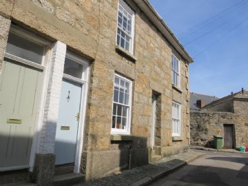 Terraced, House for sale in Penzance: Regent Buildings, Penzance, Cornwall.  TR18 4QB, £160,000