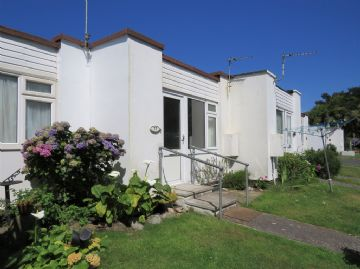 Terraced, Bungalow sold in Penzance: The Chalets, Jelbert Way, Eastern Green, Penzance, Cornwall.  TR18 3DP, £65,000