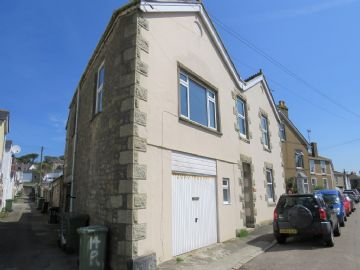 Holiday Home, Flat for sale in Penzance: Redinnick Terrace, Penzance, Cornwall.  TR18 4HR, £160,000