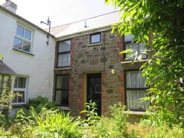 Semi Detached House for sale in Camborne: Lower Pengegon, Camborne, Cornwall.   TR14 7UJ, £90,000