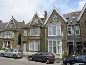 House for sale in Penzance: Mennaye Road, Penzance, Cornwall.  TR18 4NG, £550,000