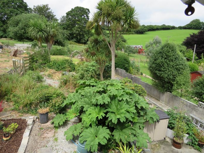 Semi Detached House, 3 bedroom Property for sale in Par, Cornwall for £180,000, view photo 2.