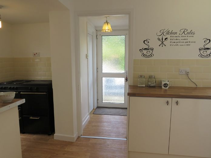 Semi Detached House, 3 bedroom Property for sale in Par, Cornwall for £180,000, view photo 8.