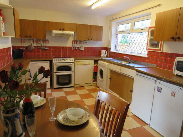 Terraced, House, 3 bedroom Property for sale in Hayle, Cornwall for £180,000, view photo 5.