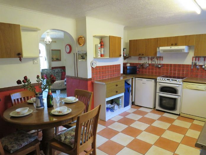 Terraced, House, 3 bedroom Property for sale in Hayle, Cornwall for £180,000, view photo 6.