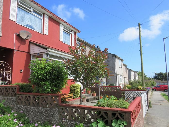 Terraced, House, 3 bedroom Property for sale in Hayle, Cornwall for £180,000, view photo 15.