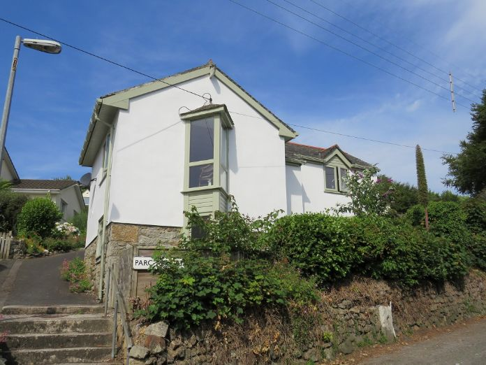Detached House, 2 bedroom Property for sale in Mousehole, Cornwall for £350,000, view photo 1.
