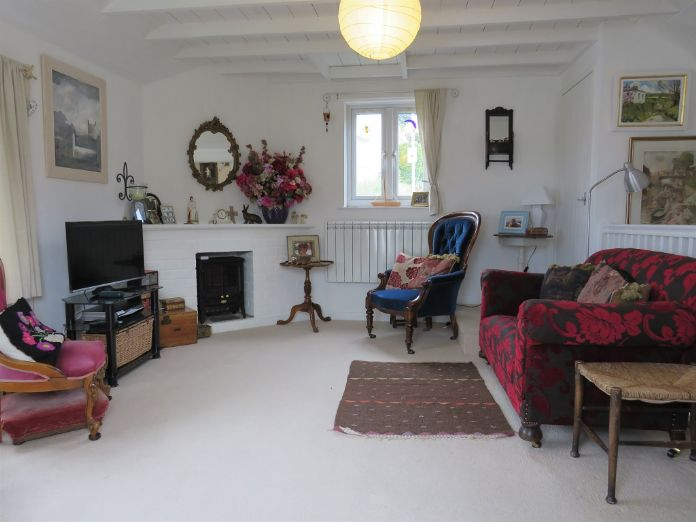 Detached House, 2 bedroom Property for sale in Mousehole, Cornwall for £350,000, view photo 4.