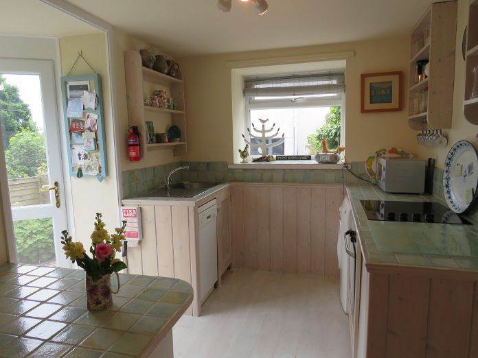 Detached House, 2 bedroom Property for sale in Mousehole, Cornwall for £350,000, view photo 8.