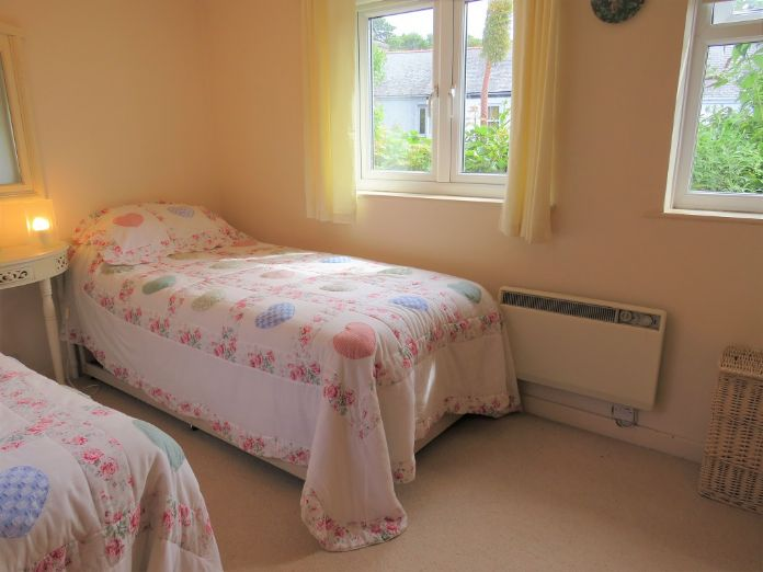 Detached House, 2 bedroom Property for sale in Mousehole, Cornwall for £350,000, view photo 12.